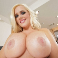 Alena Croft – Milfs Like It Big 2
